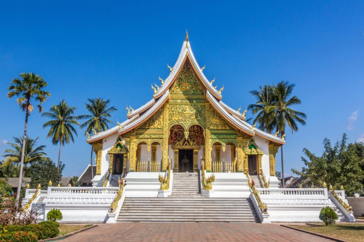 Королевский дворец и храм Хо Кхам (Луангпхабанг) - достопримечательности Лаоса