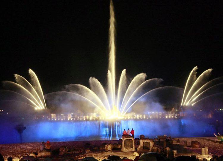 Лазерное шоу Песни Моря (Songs of the Sea) - достопримечательности Сингапура