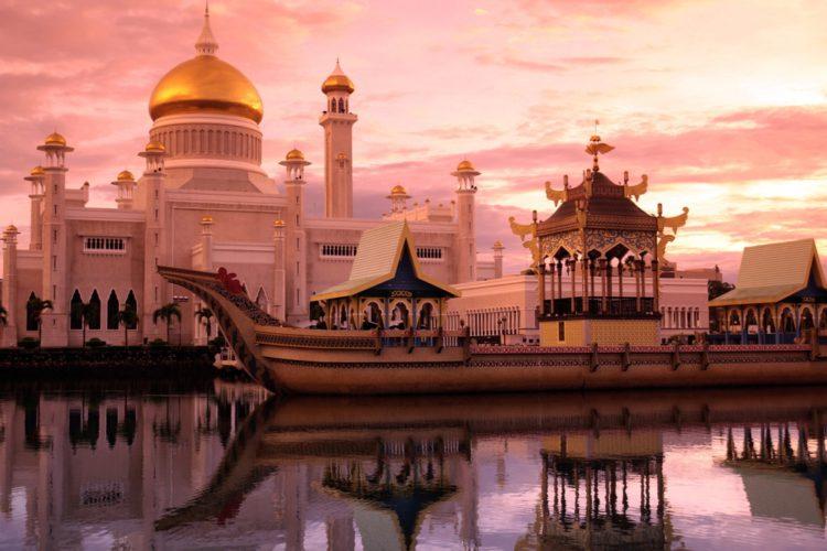 Мечеть Омара Али Сайфуддина - достопримечательности Брунея Бруней Едем в Бруней 5 Omar Ali Saifuddien Mosque e1522461848933