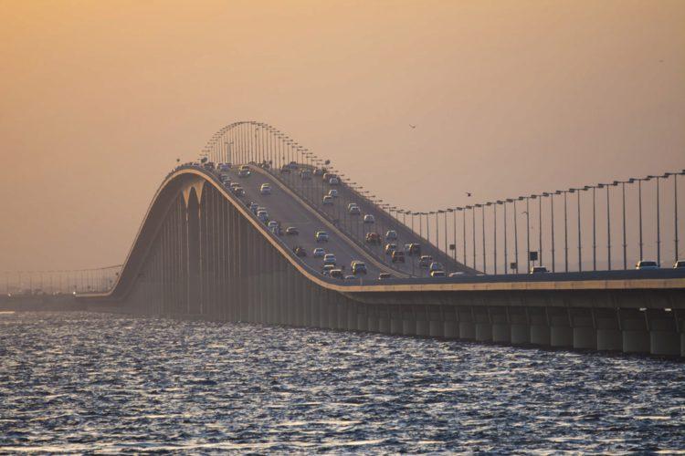 Мост короля Фахда - достопримечательности Саудовской Аравии