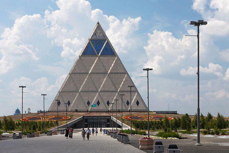 Дворец мира и согласия - достопримечательности Казахстана