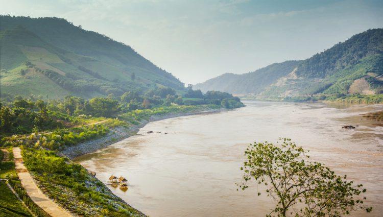 Река Меконг - достопримечательности Лаоса