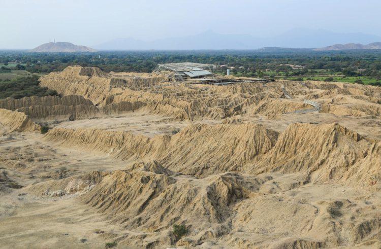 Долина пирамид Тукуме - достопримечательности Перу