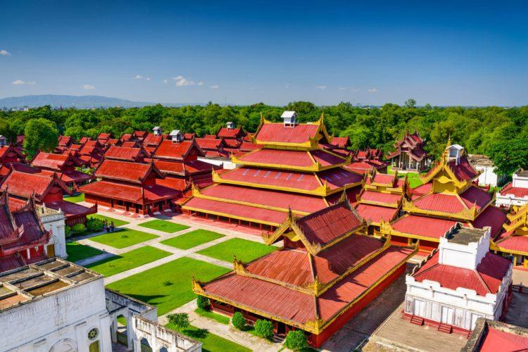 Королевский дворец Мандалая - достопримечательности Мьянмы