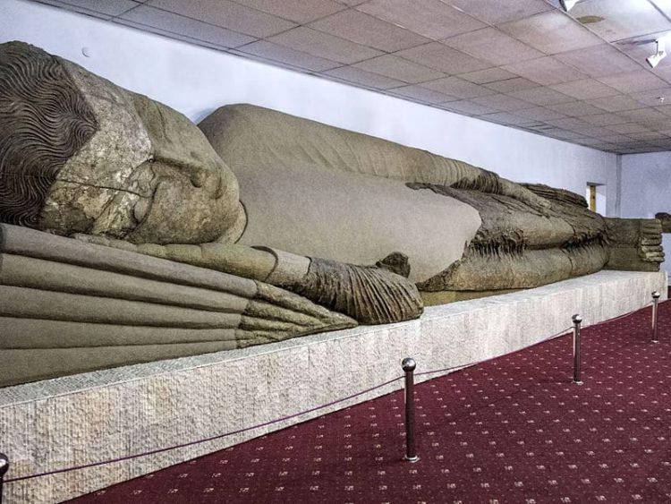 Аджина-Тепа - достопримечательности Таджикистана