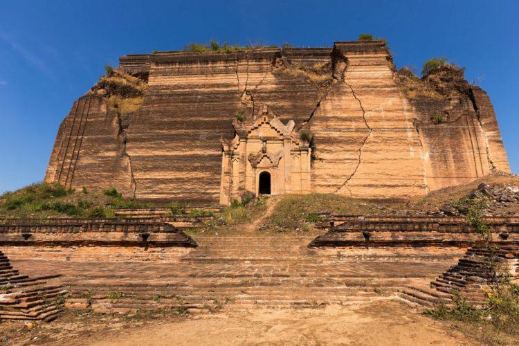Ступа Мингун-Пайя - достопримечательности Мьянмы