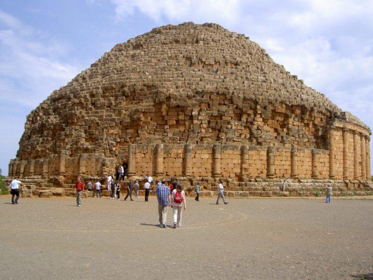 Королевский мавзолей Мавритании - достопримечательности Алжира