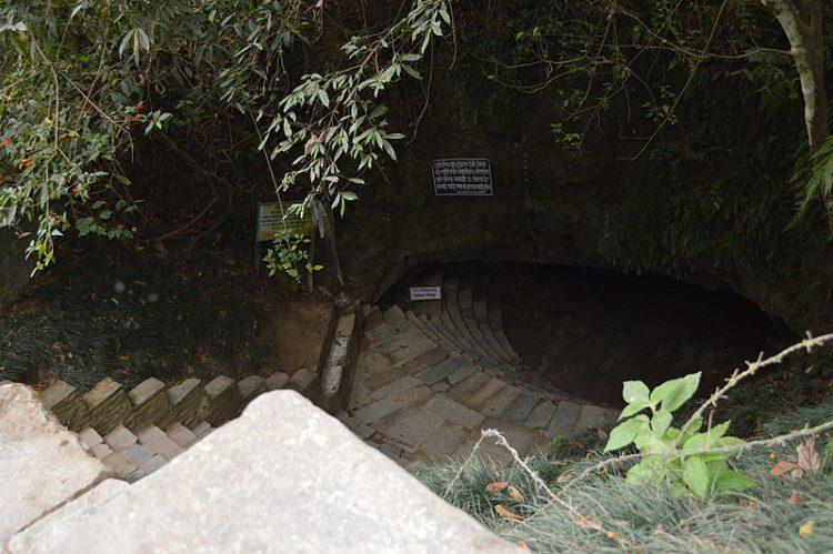 Пещера Мехендра - достопримечательности Непала