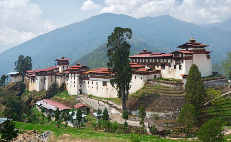 Тронгса-дзонг - достопримечательности Бутана