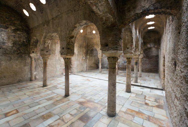 Арабские бани - достопримечательности Гранады