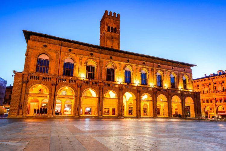 Палаццо Подеста - достопримечательности Болоньи