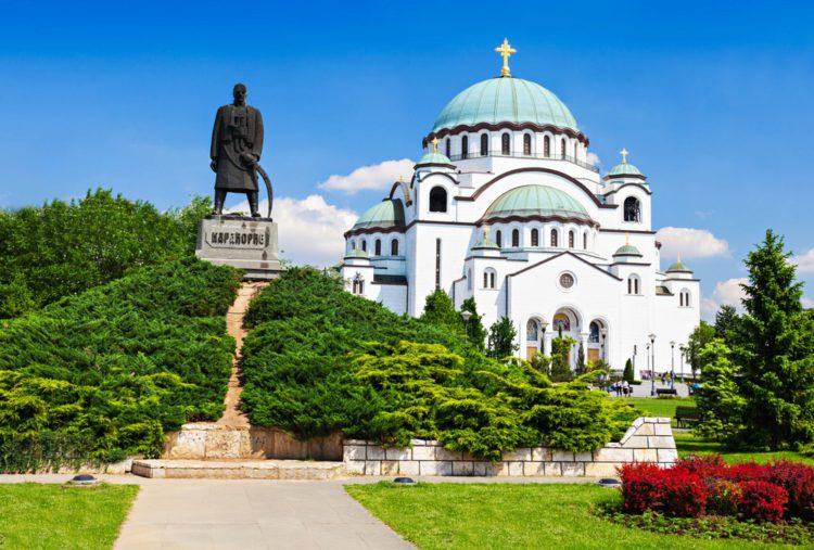 Храм Святого Саввы - достопримечательности Белграда