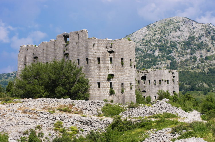 Крепость Космач - достопримечательности Будвы