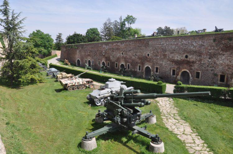 Военный музей - достопримечательности Белграда