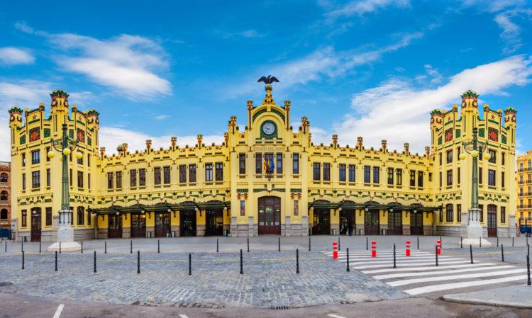 Северный вокзал - достопримечательности Валенсии
