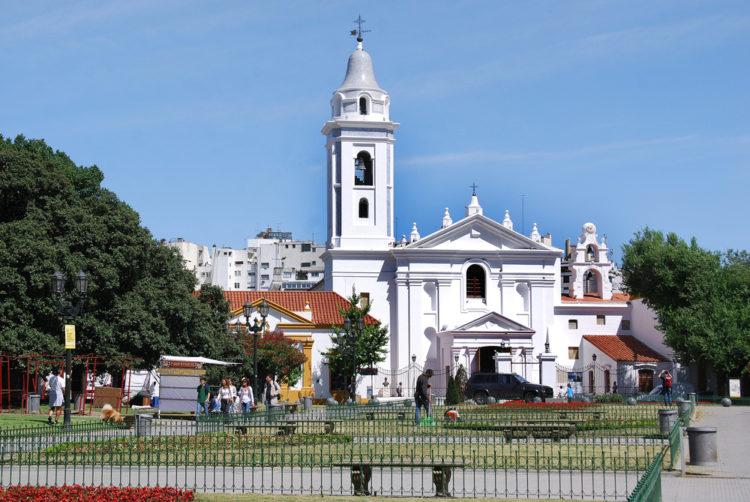 Базилика Нуэстра-Сеньора-дель-Пилар - достопримечательности Буэнос-Айреса