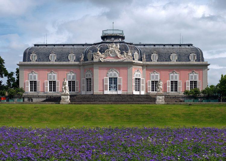 Дворец Бенрат - достопримечательности Дюссельдорфа