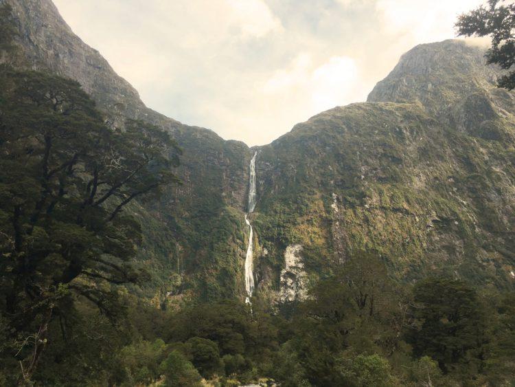 Водопад Сазерленд - достопримечательности Новой Зеландии