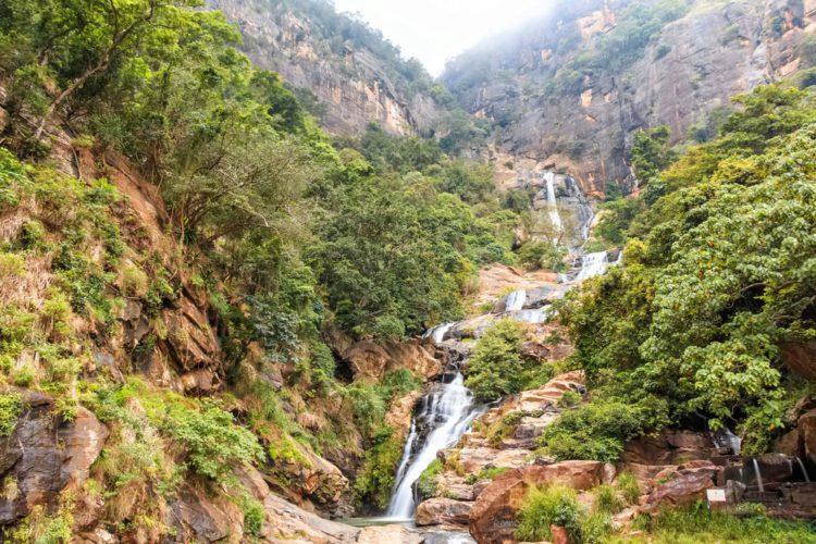 Водопад Равана - достопримечательности Шри-Ланки