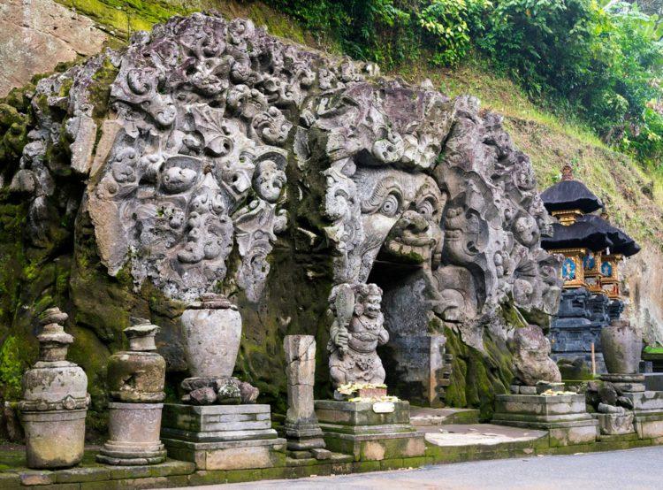 Слоновья пещера — Гоа Гаджа - достопримечательности Бали