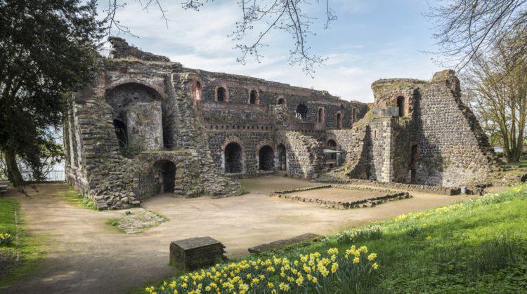Императорский дворец в Кайзерсверте - достопримечательности Дюссельдорфа