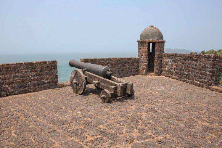 Форт Рейс Магос - достопримечательности Гоа