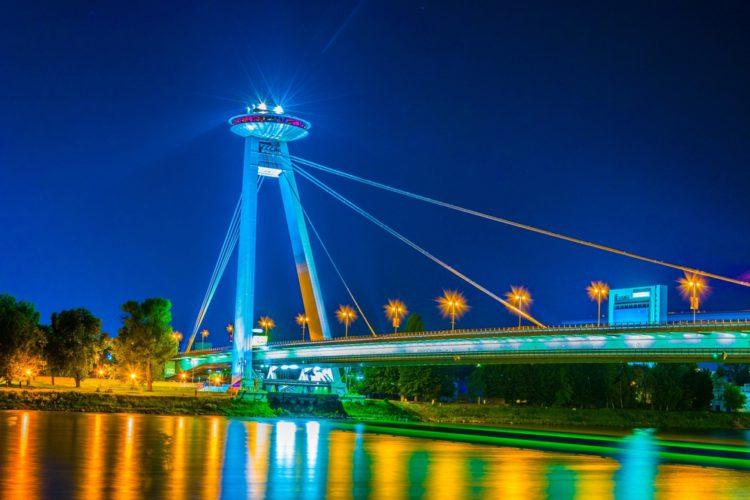 Мост СНП - достопримечательности Братиславы