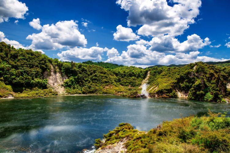 Долина гейзеров Ваймангу