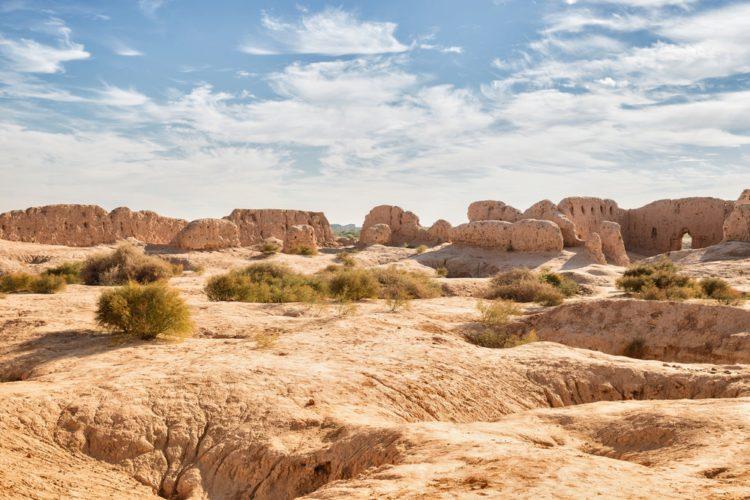 Пустыня Кызылкум - достопримечательности Узбекистана