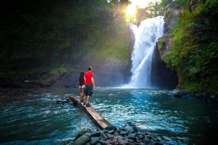 Водопад Тегенунган - достопримечательности Бали Бали все об бали бали отдых Достопримечательности Бали, что посмотреть на острове или наш ТОП-10 самых интересных мест 25 Tegenungan e1526692431319