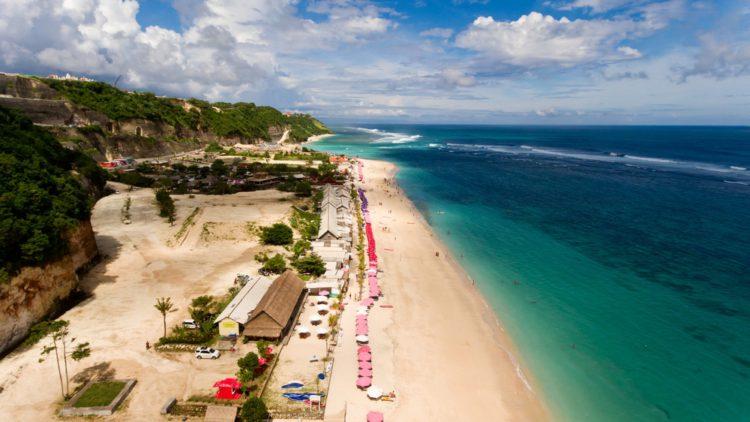 Пляж Пандава - Что посмотреть на Бали Бали все об бали бали отдых Достопримечательности Бали, что посмотреть на острове или наш ТОП-10 самых интересных мест 29 Pandawa beach e1526692585295