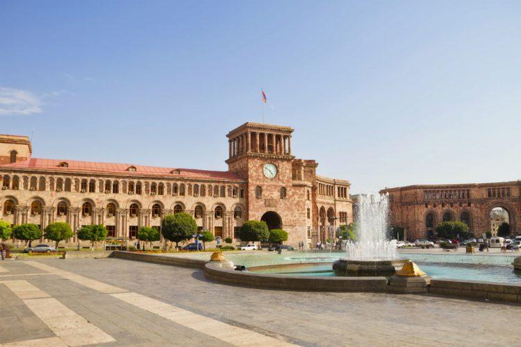 Площадь Республики - достопримечательности Еревана