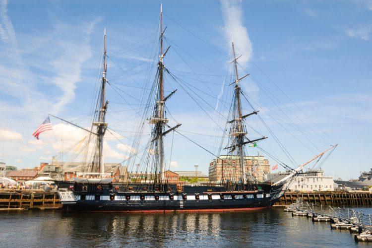 Парусный корабль USS Constitution - достопримечательности Бостона
