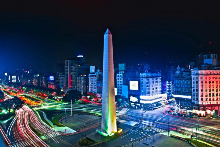 Обелиск - достопримечательности Буэнос-Айреса