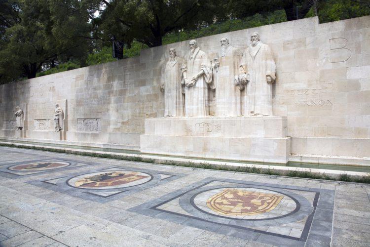 Стена Реформации - достопримечательности Женевы