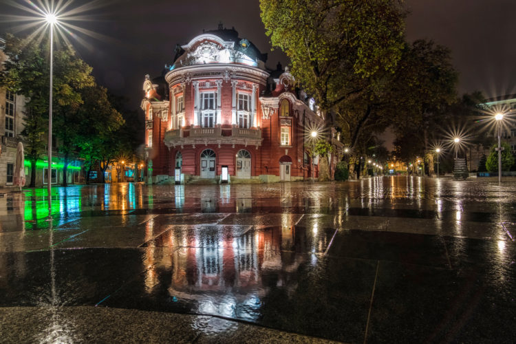 Варненский оперный театр - достопримечательности Варны