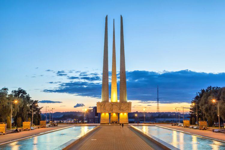 Площадь Победы - достопримечательности Витебска