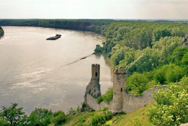 Замок Девин - достопримечательности Братиславы