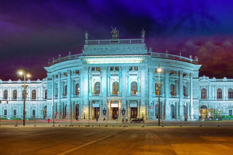 Королевский Бургтеатр - достопримечательности Вены