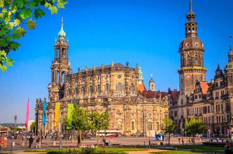 Хофкирхе — католическая придворная церковь - достопримечательности Дрездена