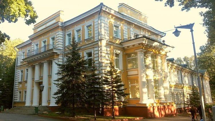 Губернаторский дворец - достопримечательности Витебска