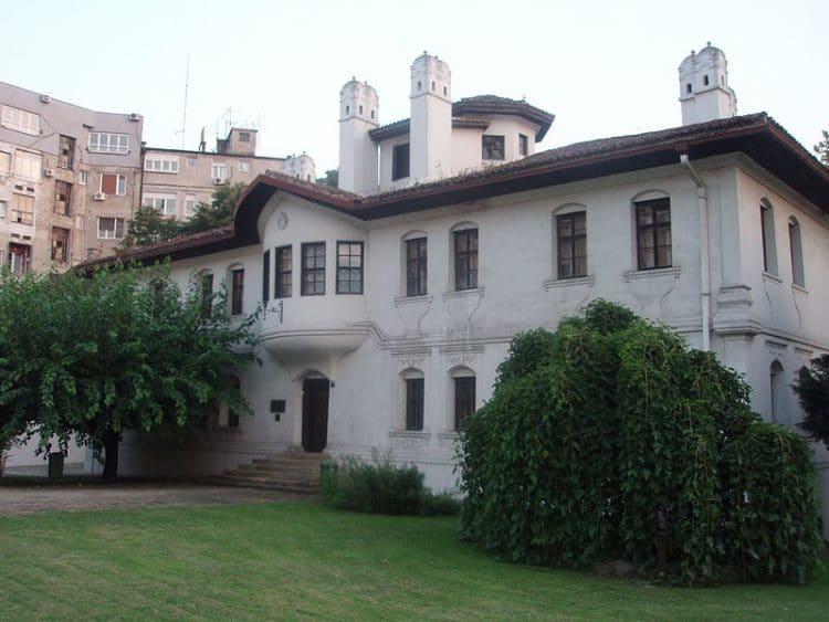 Дворец княгини Любицы - достопримечательности Белграда