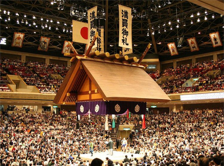 "Стадион Сумо ""Рёгоку"" - достопримечательности Токио"