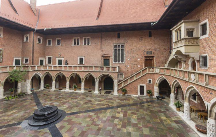 Здание Коллегиум Майус - достопримечательности Кракова