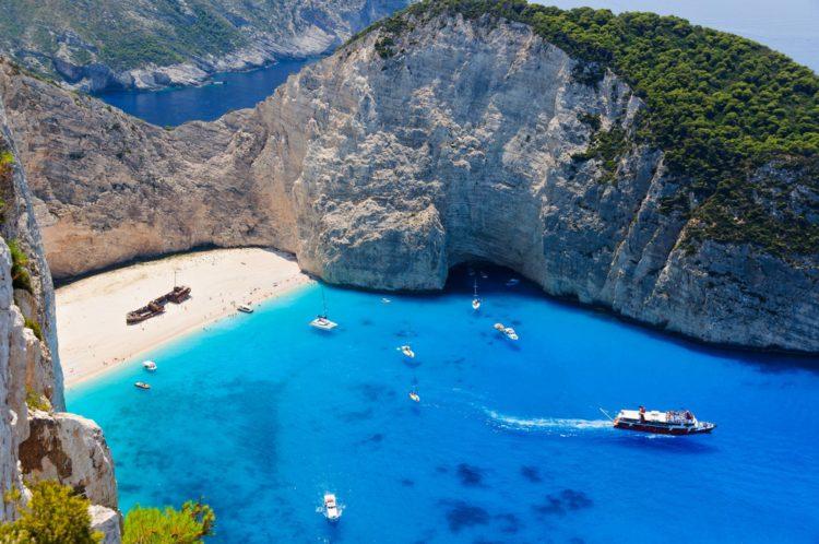 Самые красивые места планеты - бухта Навагио, Греция