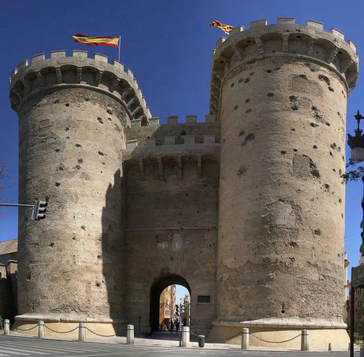 Ворота Куарт - достопримечательности Валенсии