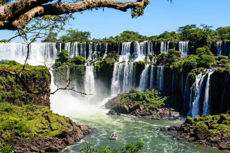 Самые красивые места мира - водопады Игуасу, Аргентина, Бразилия
