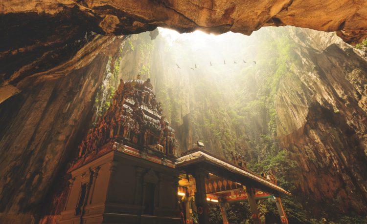 Самые красивые места мира - пещеры Бату, Малайзия