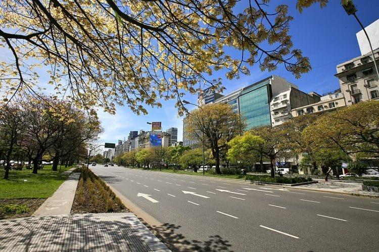 Проспект Авенида Нуэве-де-Хулио - достопримечательности Буэнос-Айреса