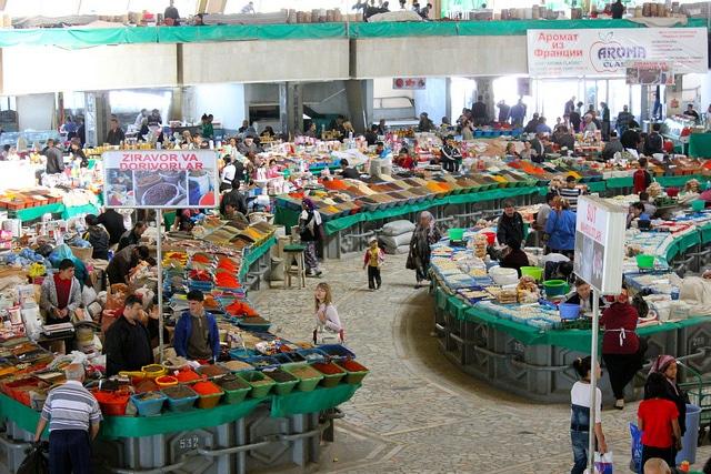 Восточный базар Чорсу - достопримечательности Узбекистана